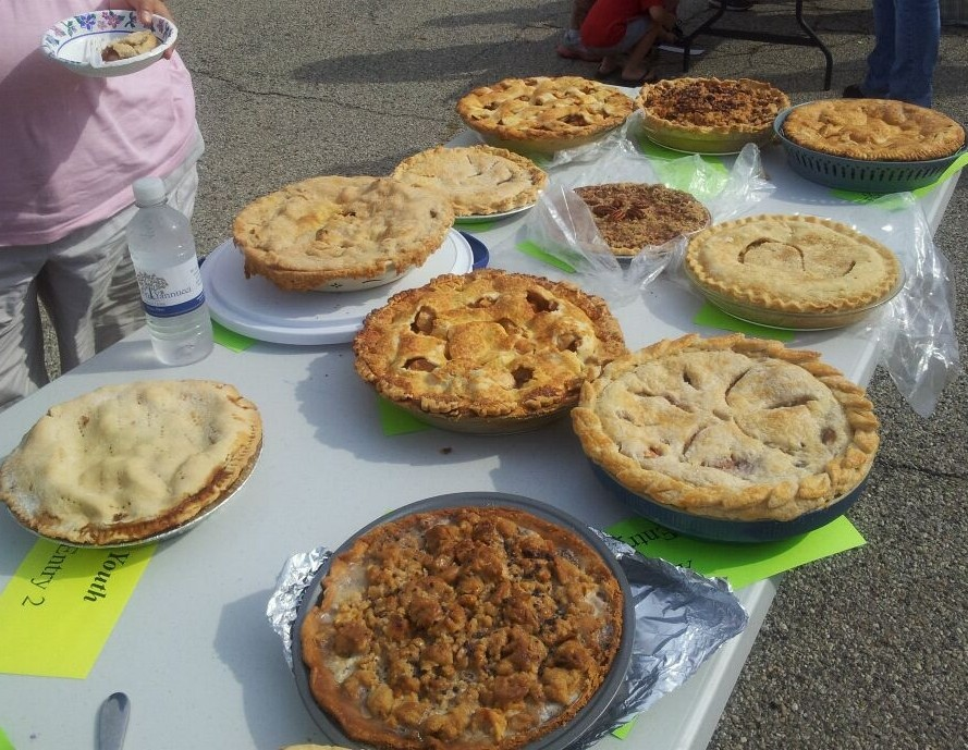 Apple Pie Baking Contest at the Piqua Community Farmers Market